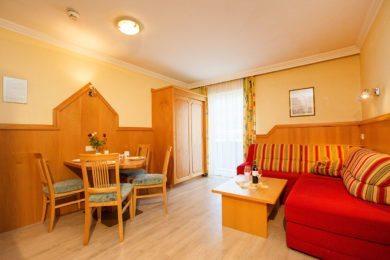 Ferienwohnung für 2 – 3 Personen in Flachau, Salzburger Land. Apart-Hotel Panorama im Ski amadé